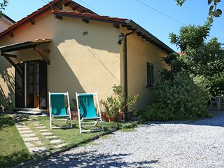 2 bedroom Villa in Forte dei Marmi, Tuscany, Italy : ref 5634443