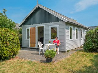 Cheapest 4 pers holiday home close to the National Park Lauwersmeer