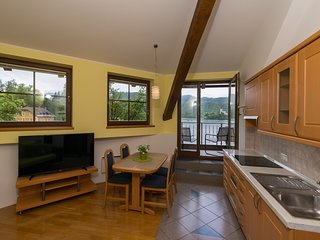 Panorama apartment 4 - dining and kitchen