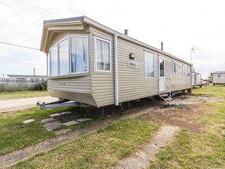 3 bed 8 berth mobile home with double glazing and central heating. Ref 27489