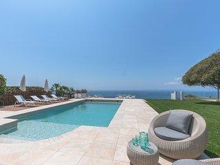 Villa Luna lujo sobre el acantilado/piscina climatizada,wifi,gimnasio