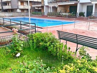 SICILIA ETNA MARE casa frontemare con piscina ai piedi dell'Etna vicino Taormina