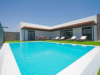 4 bedroom Villa in Puerto del Carmen, Canary Islands, Spain : ref 5334266