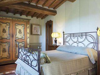 Edera Suite- Tuscan Bed & Breakfast with pool: Private bedroom and bathroom
