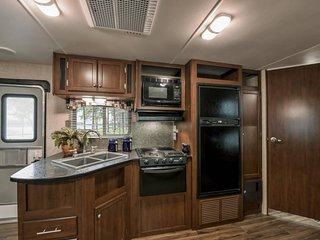 NEW! Affordable Luxury Camper near Grand Canyon.