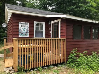 2 - Hummingbird Haven cottage on Clear Lake
