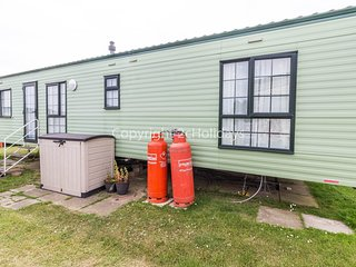 2 Bed, 6 Berth mobile home with D/G & C/H near amenities Ref 50009
