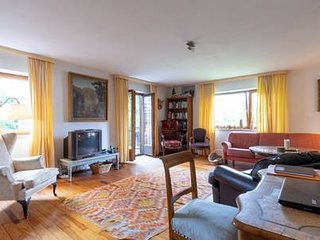 Perfect appartment to combine work & leisure , 5 bedrooms , south of Munich