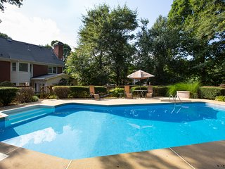 Stunning Mansion 4BR 3BA with Private Pool