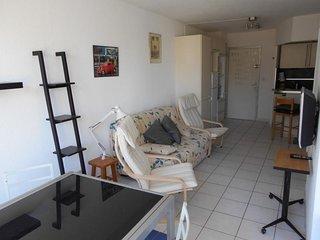 Studio cabine dans résidence avec piscine sur la plage