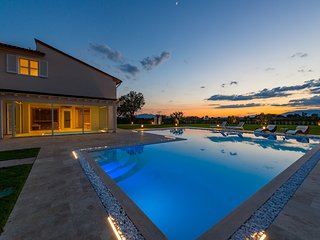 Wonderful villa with swimming pool and spa in Monsummano Terme