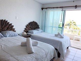 Moderno departamento frente al Mar Cancun ! 5105