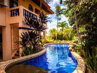 Casa Papaya con Leche beach front home with pool