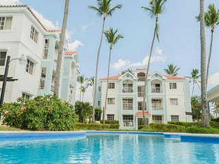 Good flat with 2 bedrooms near the ocean.  A spacious apartment near the beach,