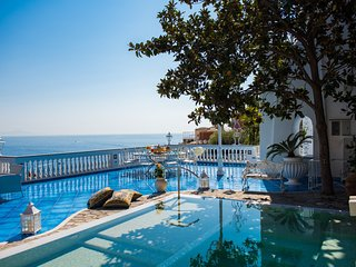 Luxury VILLA MON REPOS in Positano center with sea view and private pool