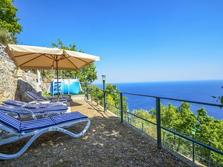 Splendid and comfortable CASA LUCI in Praiano with sea view and private pool