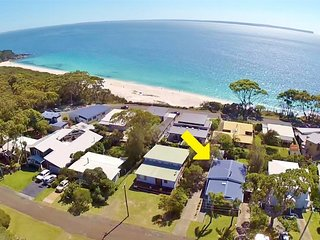 Bimbimbie at Hyams Beach - 4pm Check Out Sundays
