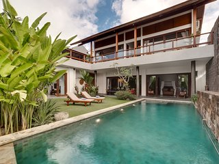Ocean View, 3-Bedroom Designed Villa Daana Uluwatu