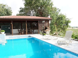 Luxury 4 Bedroom Villa Emba with private s/pool