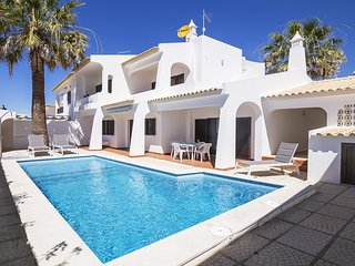 Casa Gale 600m from the beach Albufeira