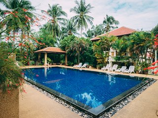 Beautiful 2 BR Pool Villa,Maenam Hills.