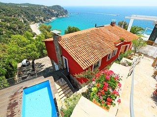 Casa Roja Tossa de Mar