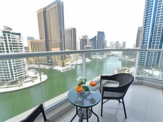 2-Bedroom Apartment with Full  Marina Views