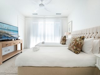 Hamptons #2 Apartment Broadbeach Gold Coast