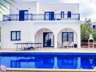 Azzurro Luxury Holiday Villas Peyia