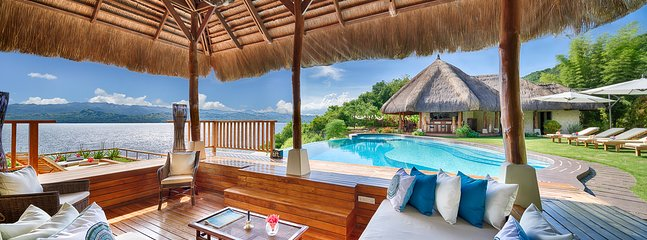 View from the pool cabana, overlooking the marine sanctuary. Chillout on the day beds or arm chairs