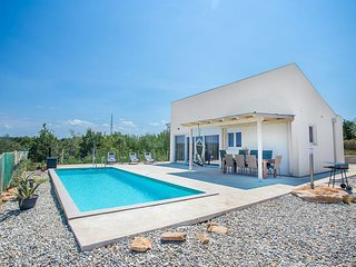 3 bedroom Villa in Tar, Istarska Županija, Croatia - 5648081