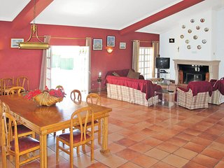 Spacious house LOU120 Loule