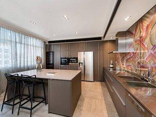 Inner City Designer Luxury Living