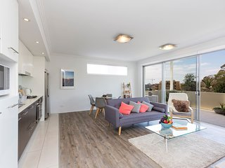 Newly Renovated Apt Close To Wollongong Hospital