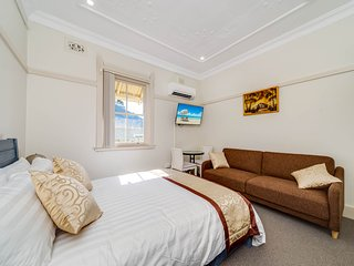 Marulan Stayz - Deluxe Room 5