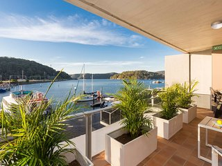 Hawkesbury River 3 Bedroom Waterfront Penthouse