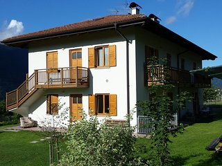 VILLA IRMA: quiet 2 km from lakes Levico&Caldonazzo,with garden & parking