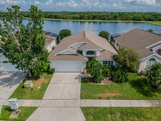 2680 WG Beautiful Lake View Home Pet Friendly