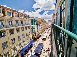 2 Bedroom Apartment with Balcony Lisbon Downtown
