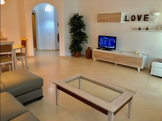 Oasis Parque 2 bedroom ground floor apartment with own garden.