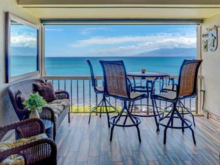 Direct Oceanfront with Amazing Views - King Bed - Mahinahina Beach