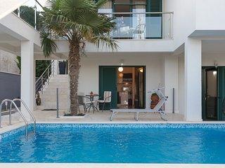 Santa Maria Villa Apartments