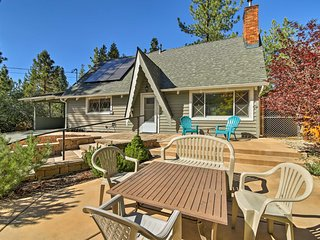 NEW! Spacious Big Bear Cabin-1.5 Mi to Ski Resorts