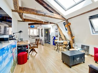 Cosy & Stylish Loft in the heart of Paris for 2p