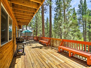 NEW! South Lake Tahoe Home 8 Min. to Heavenly Ski!