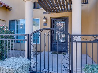 Great 2 Bed Townhome in Uptown Phoenix 110