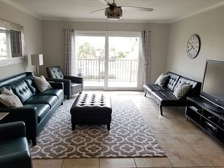 Summerhouse 156, Sleeps 6, Ocean View Condo, 4 Heated Pools, WiFi