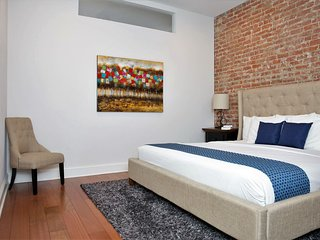 Remodeled Carondelet Street Apartment by Stay Alfred