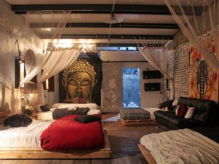 Cozy Buddha Room with Private Balcony