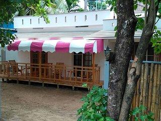 Cherai Beach Home Stay at Peyolis Place